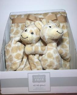 Hudson Baby Cuddly Gift Set Giraffe Blanket, Plush Toy and S