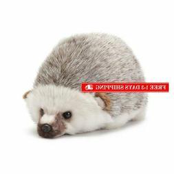 Nat and Jules Huddled Small Hedgehog Wispy Chestnut Children
