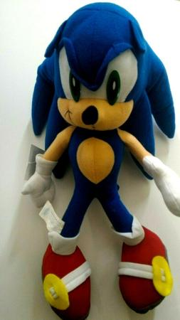 Sonic The Hedgehog Stuffed Plush Character Toy 17 inch FREE